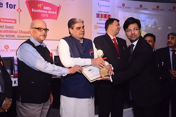 EAZY ERP wins SME of the Year-2016 By ASSOCHAM